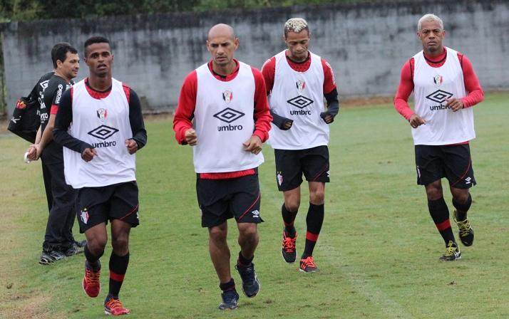 Elenco do Tricolor faz treinos em dois períodos esta semana visando o jogo contra o Atlético Paranaense