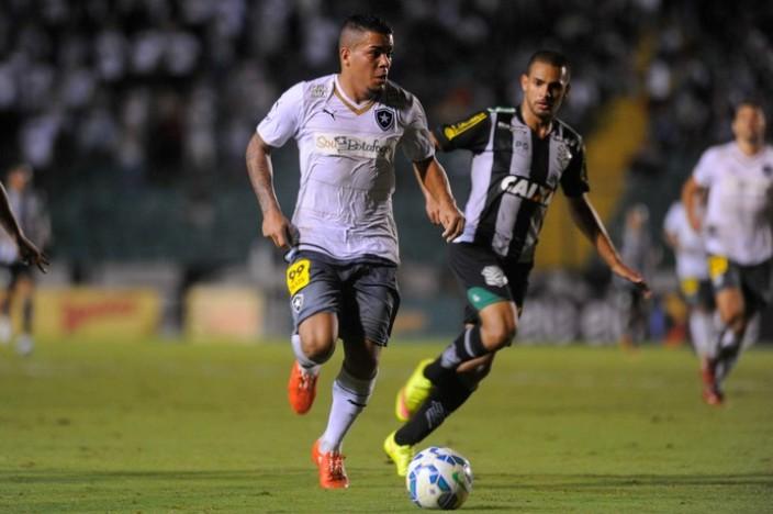 Figueirense e Botafogo empataram em 2 a 2 pela Copa do Brasil (Foto: Agência Estado)