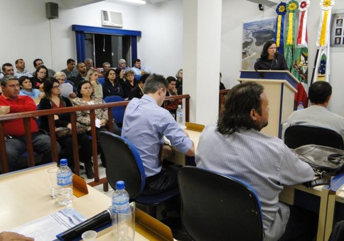 Professores acompanharam a sessão