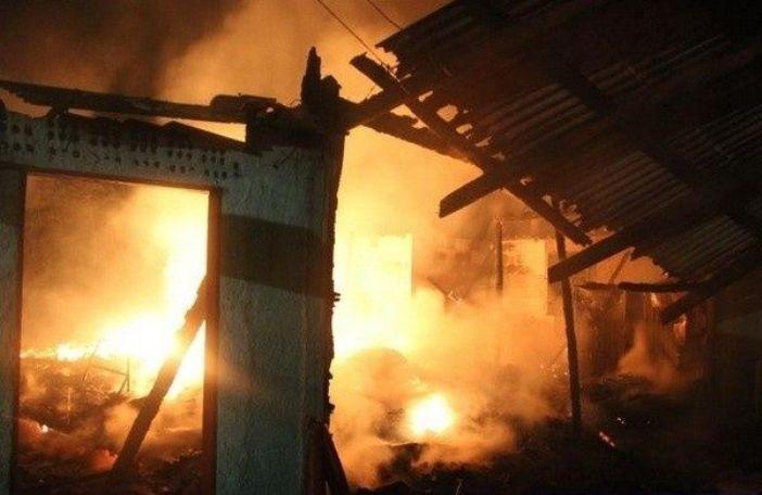 Casa-destruida-por-incendio