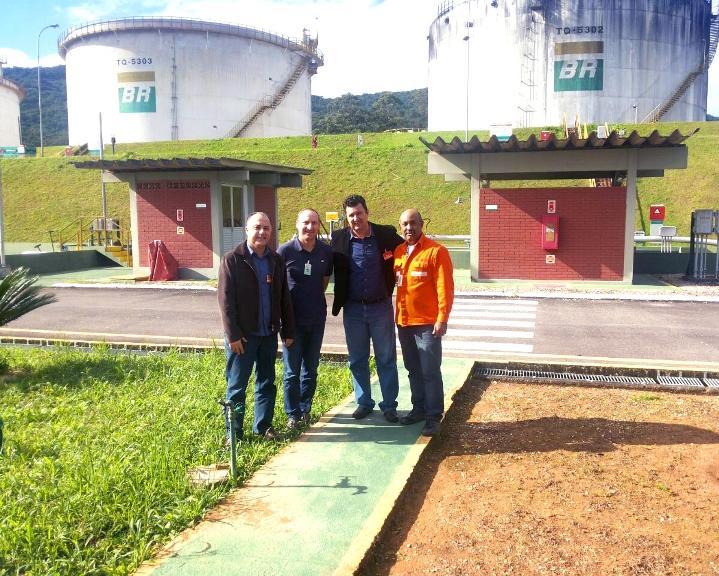 Prefeito Ramon e secretário da Fazenda John em visita às instalações da Transpetro em Biguaçu