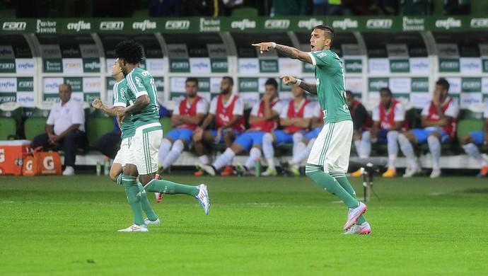 Palmeiras conseguiu aproveitar as oportunidades e fez 3 a 0 no Avaí (Foto: Marcos Ribolli)