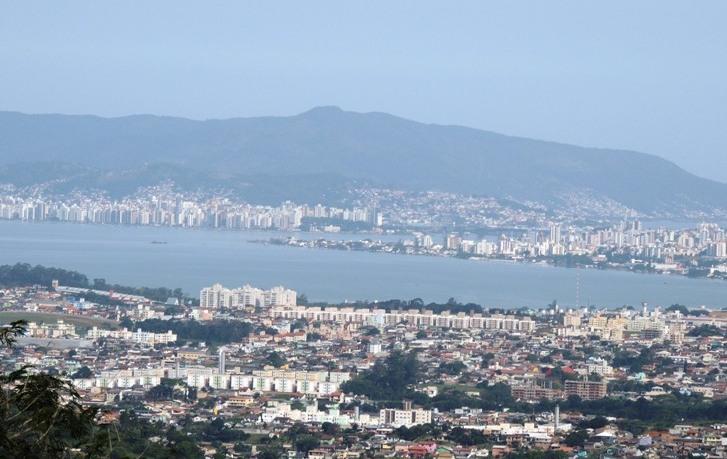 Bairro Serraria e Florianópolis - Foto de Samira Zampeiron Alves