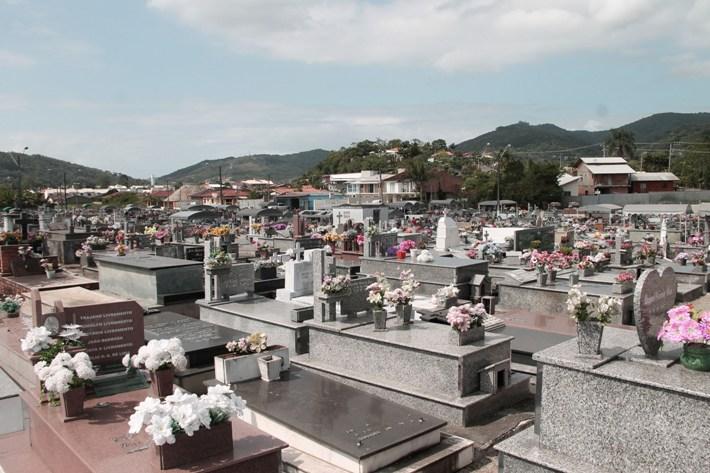 Cemitério Municipal São João Evangelista - Foto Martha Huff SECOM