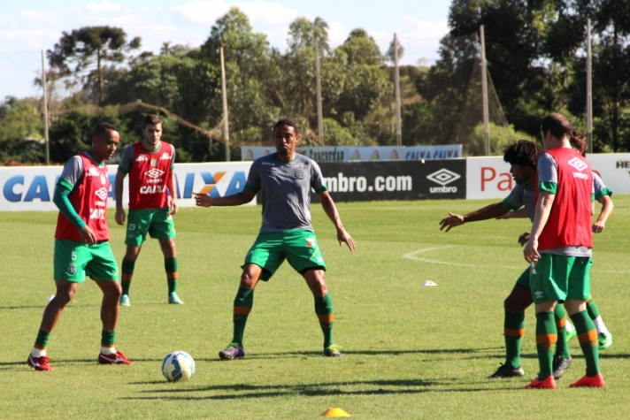 Chapecoense retornou aos treinos após a vitória sobre o River Plate