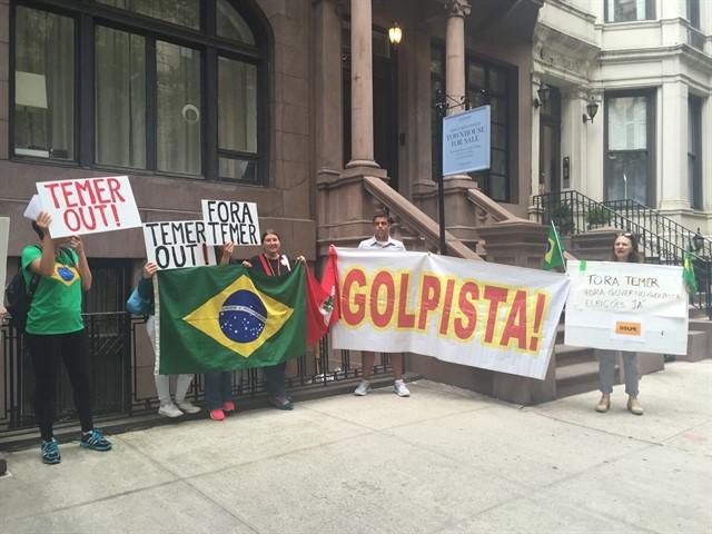 Manifestantes em NY (Foto: Carolina Matzenbacher)