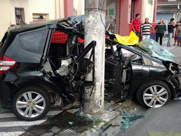 Passageiro do veículo morreu na hora (Foto: Jaime Batista da Silva/Divulgação)