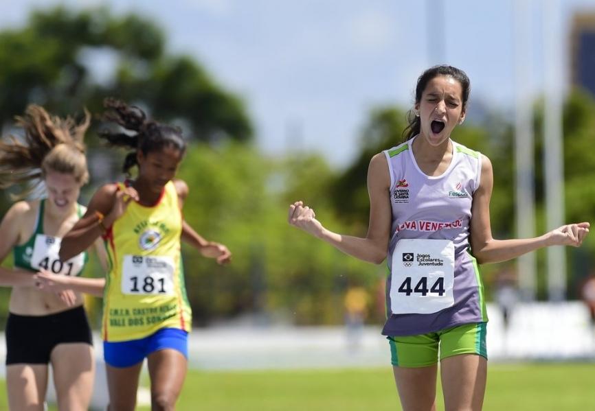 Larissa da Silva,  de Nova Veneza:  Ouro nos 1.000 metros (Foto: Assessoria)