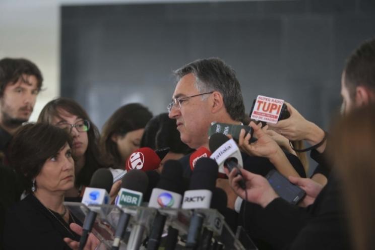 Colombo e governadores de mais sete estados debateram a previdência em Brasília (Foto: Julio Cavalheiro / Secom)