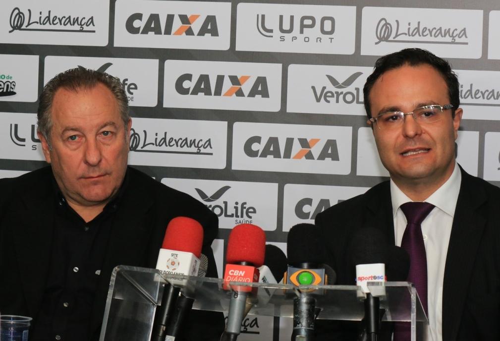 Presidente do Figueirense, Wilfredo Brillinger, e o diretor jurídico do clube, Ricardo Cordeiro (Foto: assessoria)