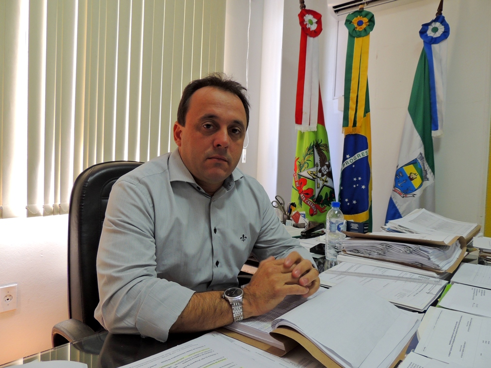 Juliano diz que várias ações judiciais podem impactar orçamento municipal (Foto: Biguá News)