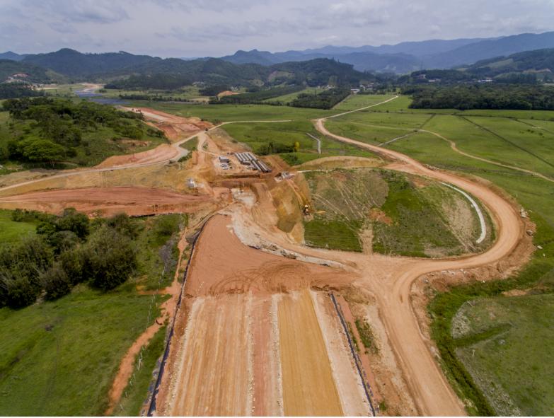 Obras de terraplanagem em Biguaçu avançaram 18,97% do total - Flávio Tin/ND