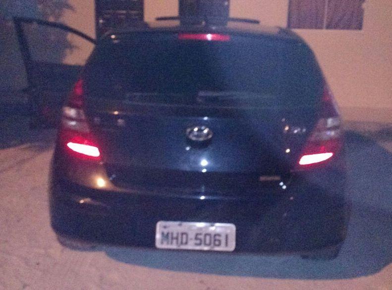 Automóvel usado no crime foi localizado (Foto: PM)